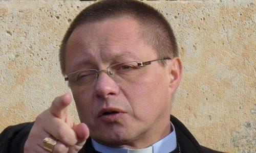 Krew Chrystusa pokonuje wszelkie mury — abp Grzegorz Ryś