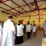 procesyjne wejście na Eucharystię