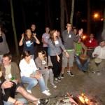 śpiew i zabawy przy ognisku