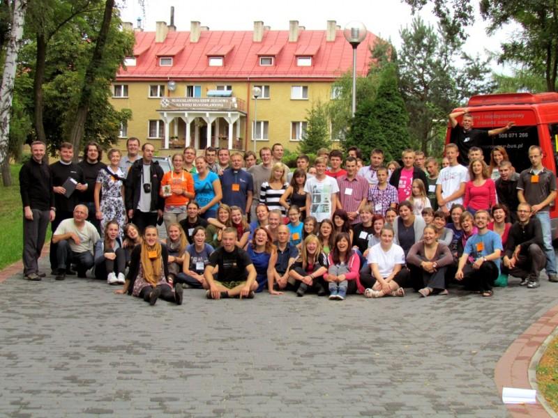wspólne zdjęcie uczestników IV Kasperiańskich Dni Młodych