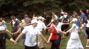 wspólny taniec na Kasperiańskich Dniach
