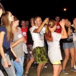 zabawa na koncercie na spotkaniu-młodych